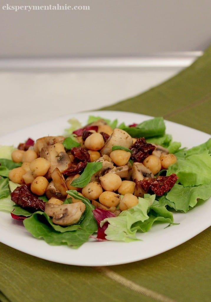 salatka z ciecierzycą